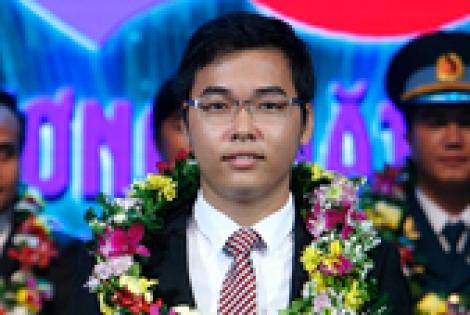 Sinh viên Lê Yên Thanh giành giải Gương mặt trẻ Việt Nam tiêu biểu 2015 - 095